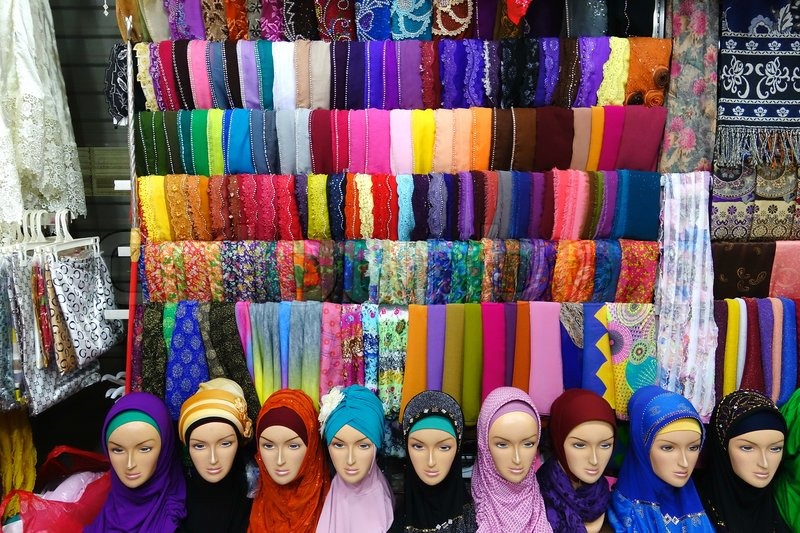 10761566-colorful-fashion-headscarf