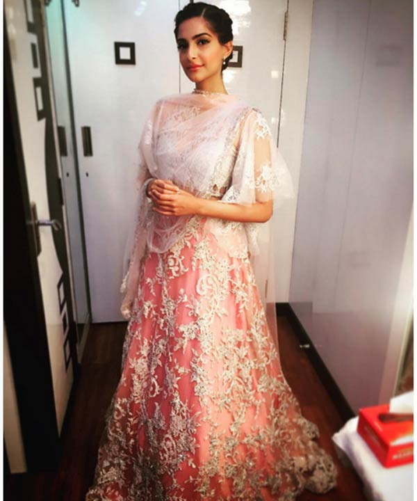 In this ornate designer Shehla Khan piece, Sonam looks no less than a celestial beauty!
